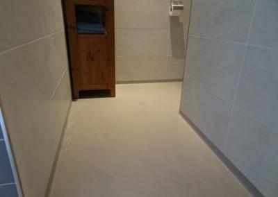 Gietvloer met plint Woonhuis Nijmegen – Lent