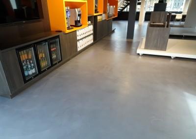 Betonlook gietvloer showroom Eindhoven | Cem Colori